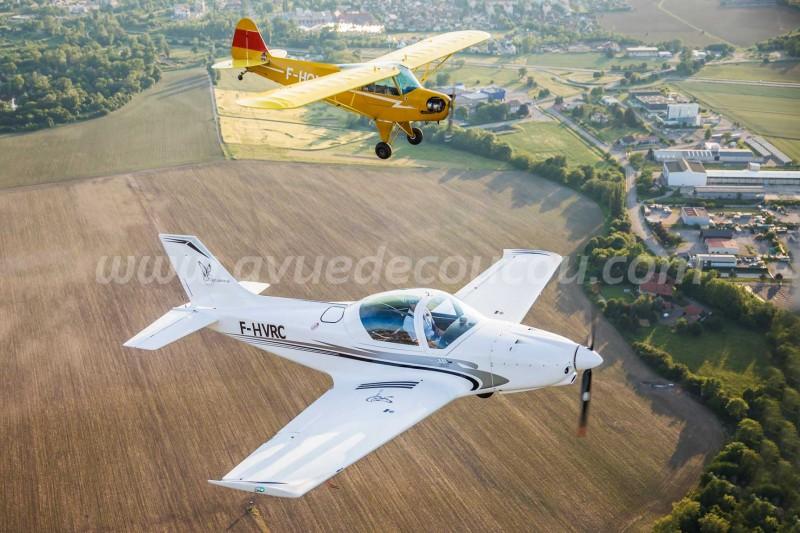 Alpi Pioneer 300 et Piper J3 Cub