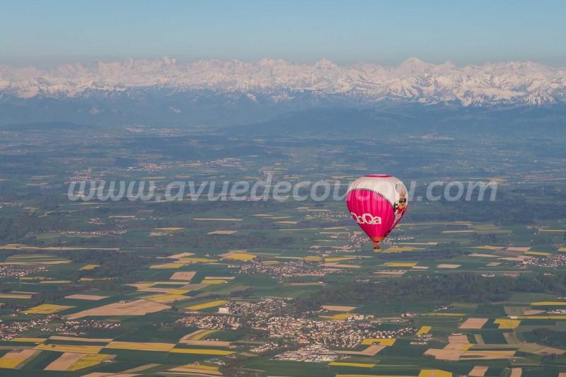 Mongolfière et Alpes Bernoises