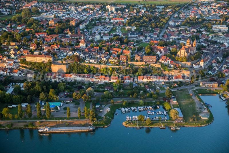 Vieux-Brisach et Kaiserstuhl