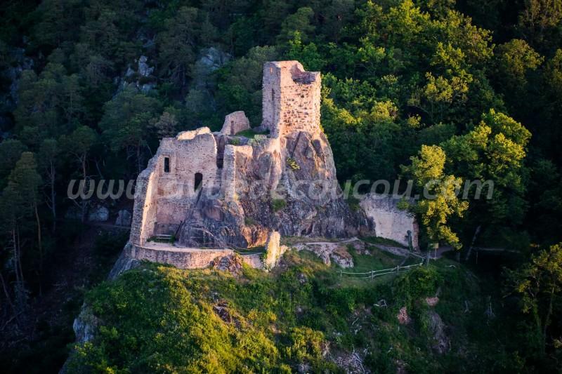 France, Haut-Rhin (68), Ribeauvillé, châteaux de Girsberg (vue aérienne)//France, Haut-Rhin (68), Ribeauvillé, Girsberg Castle (aerial view)