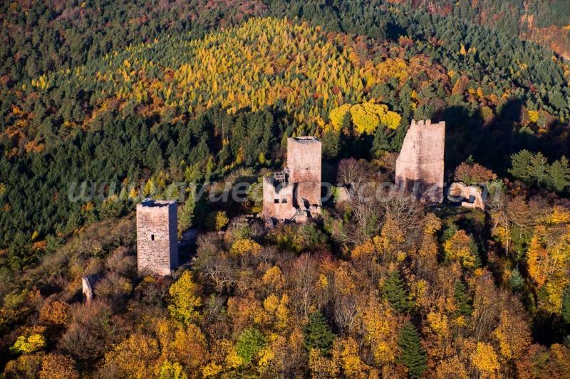 France, Haut Rhin (68), Eguisheim, Route des Vins d'Alsace, les Trois Châteaux (vue aérienne)//France, Haut Rhin, Eguisheim, Alsace Wine Road, Trois Châteaux Castle (aerial view)