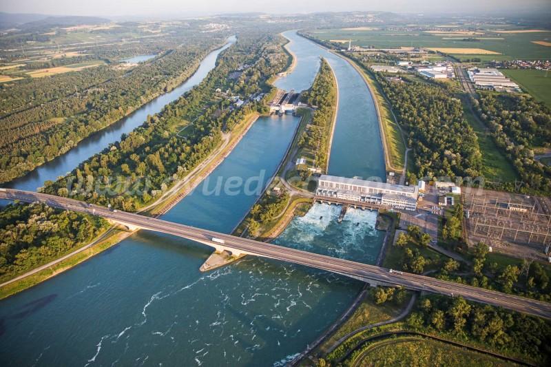 Centrale hydroélectriqiue et écluse d'Ottmarsheim