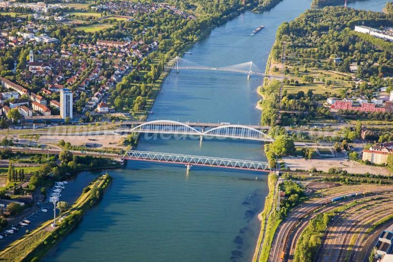 Ponts entre Strasbourg et Kehl