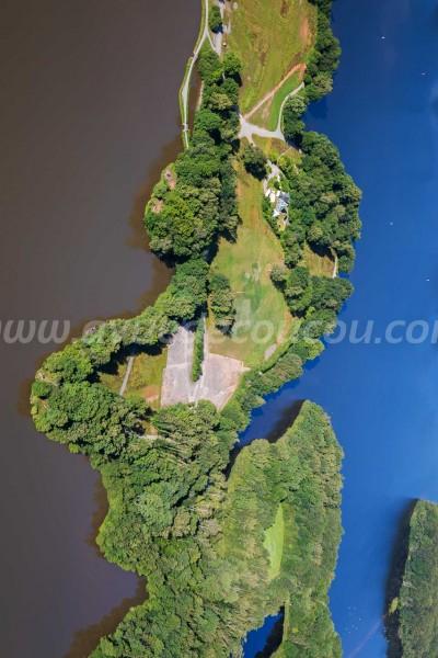 La presqu'île du Malsaucy - Oeuvre de Banksy